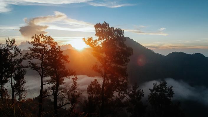 rinjani basecamp sunset