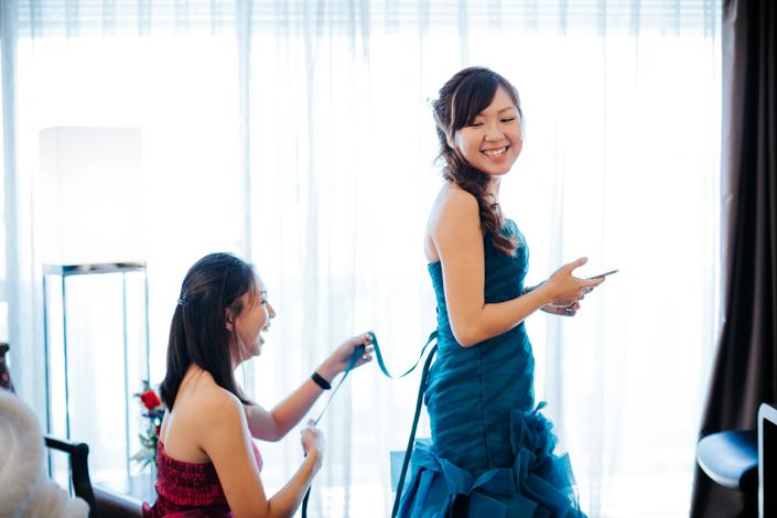 bride and groom at marina mandarin