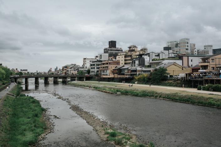 kamo river sanjo bridge kyoto