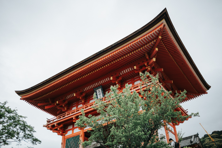 niomon kiyomizu dera kyoto